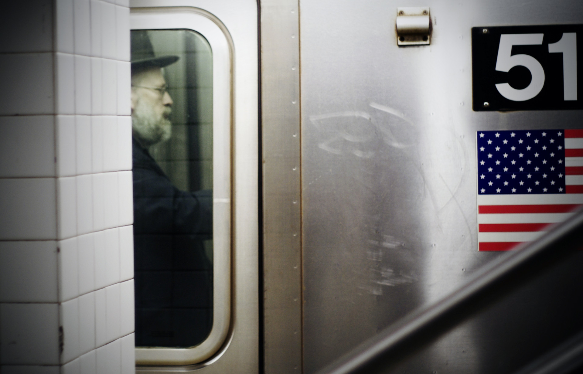New-York-Subway-Jewish-Man