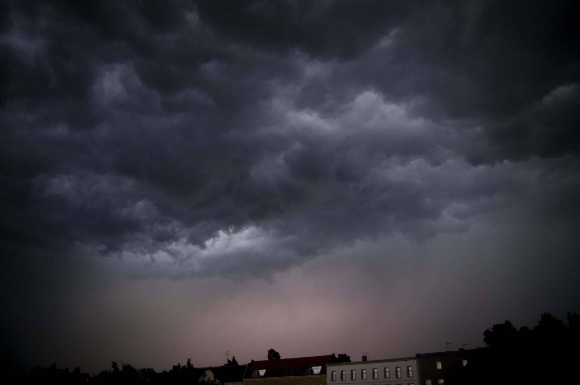 Berlin_Wolken_Gewitter_Carolin-Weinkopf_IGP4765b