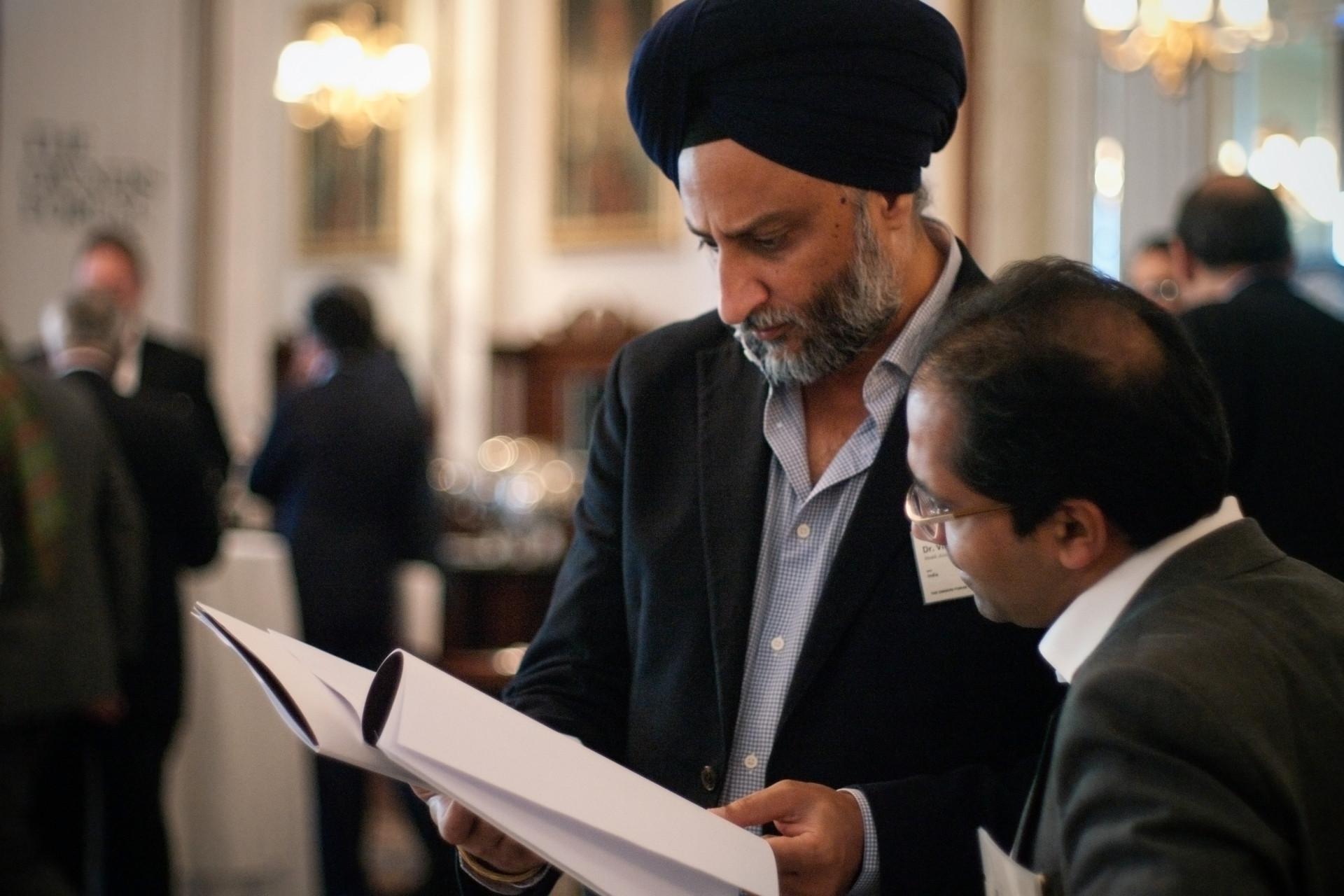 Conference_India_Turban_IGP8509_Carolin-Weinkopf